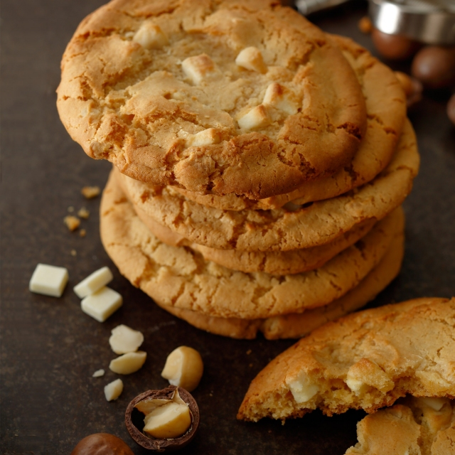 ホワイトチョコレートマカダミアクッキー