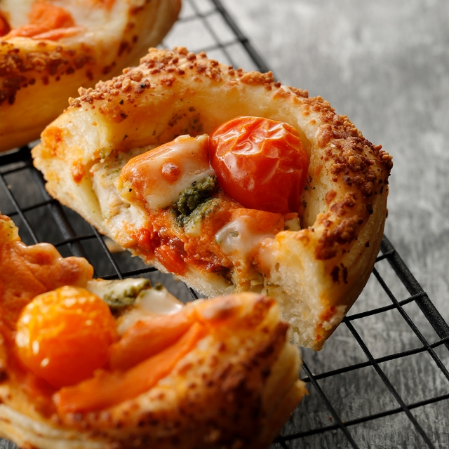 チキン&トマトモッツァレラデニッシュ